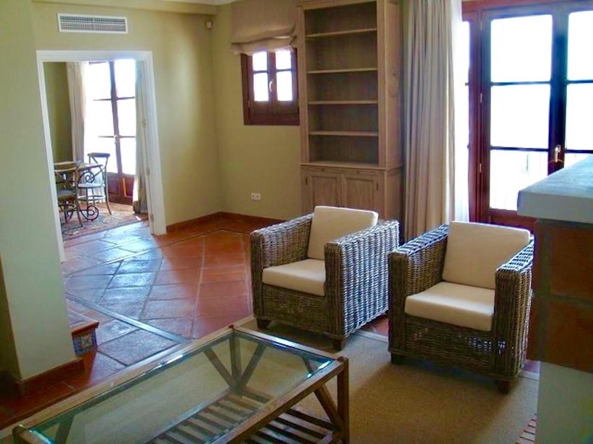 R3675194 | Townhouse in Benahavís – € 459,000 – 3 beds, 2.5 baths