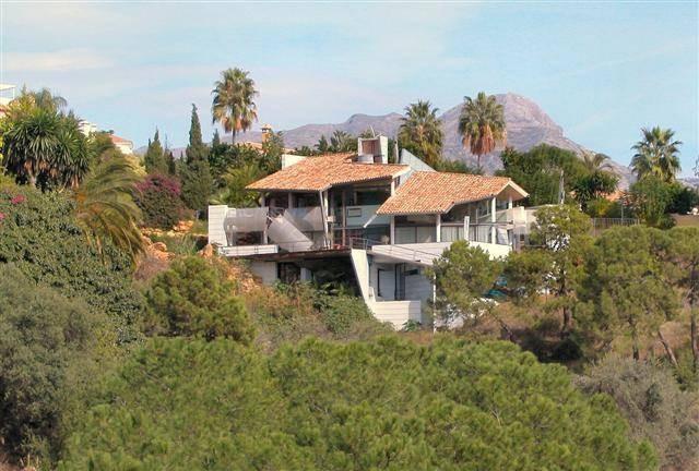 Villa – Chalet en venta en La Quinta – R818402