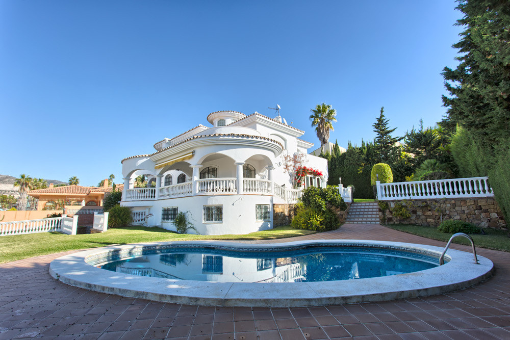 Villa - Detached for sale in Benalmadena