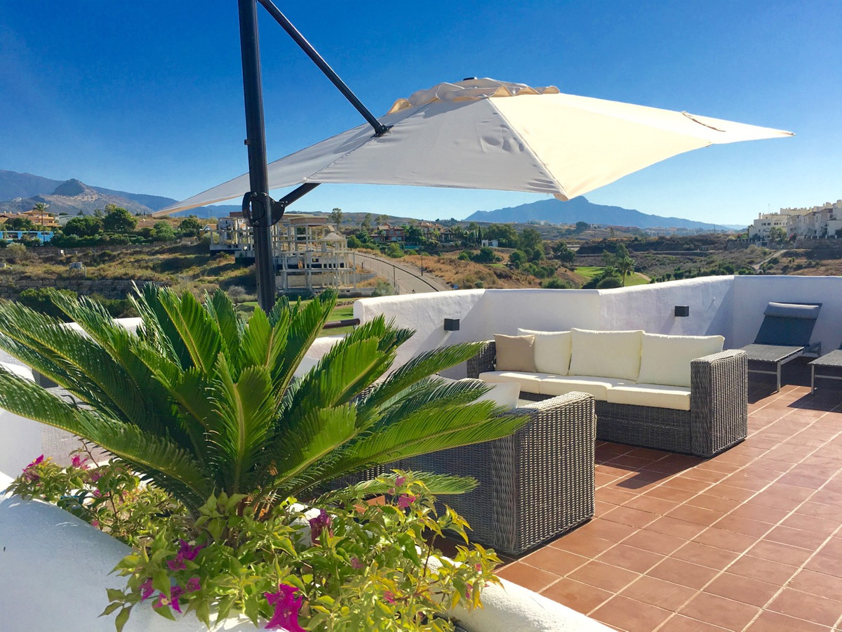 Penthouse, New Golden Mile, Costa del Sol. 3 Bedrooms, 3 Bathrooms, Built 150 m², Terrace 150 m².  S, Spain