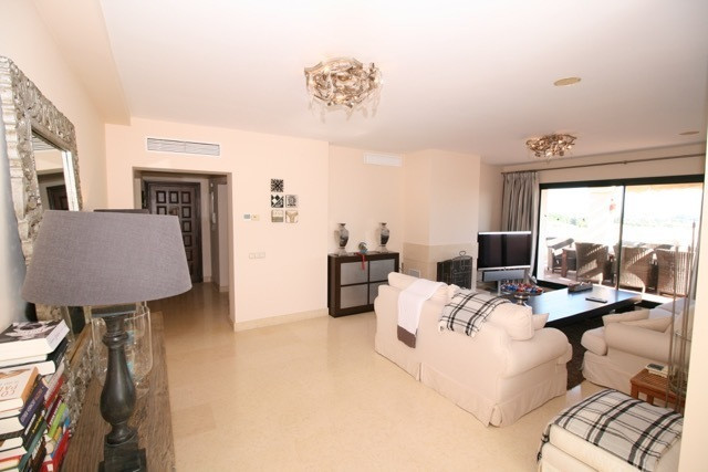 R3035156 | Penthouse in Benahavís – € 850,000 – 3 beds, 4 baths