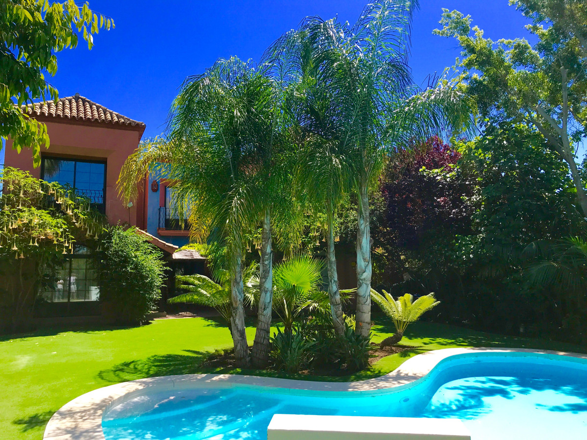 Villa - Detached for Rent in Guadalmina Baja