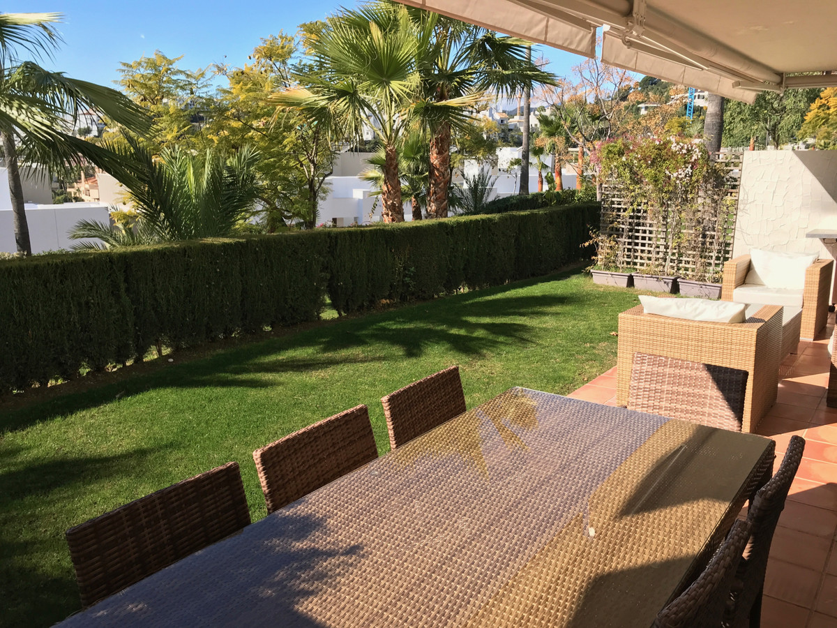 Apartment - Ground Floor for Rent in Los Arqueros