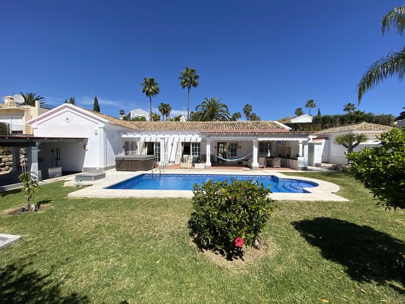 House - Nueva Andalucía