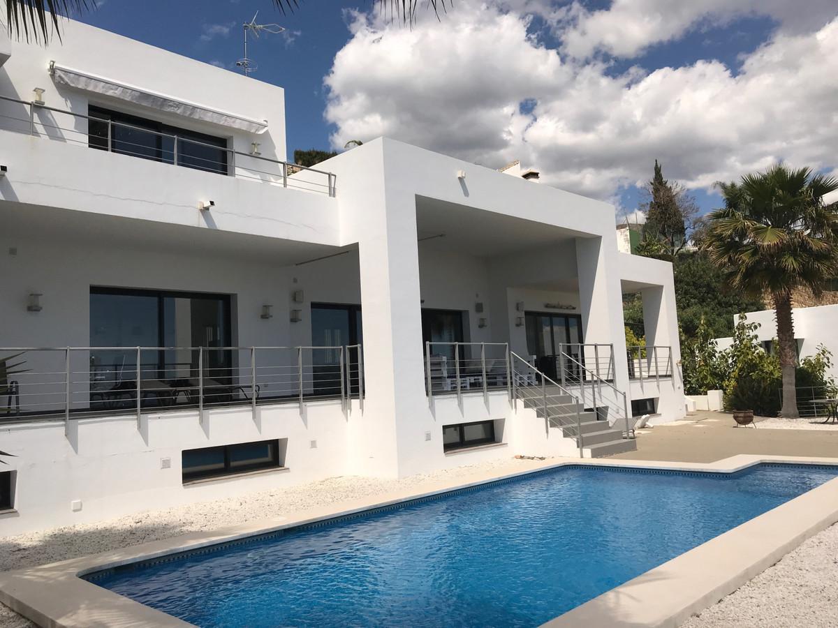 Marbella Banus Villa – Chalet en Venta en Benahavís – R3367441