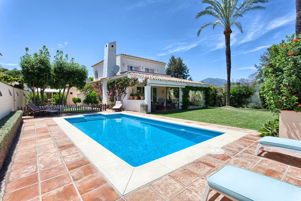 NEW PRICE FOR MOTIVATED BUYERS!  Beautiful Villa with Separate Guesthouse  Beautiful well located vi, Spain