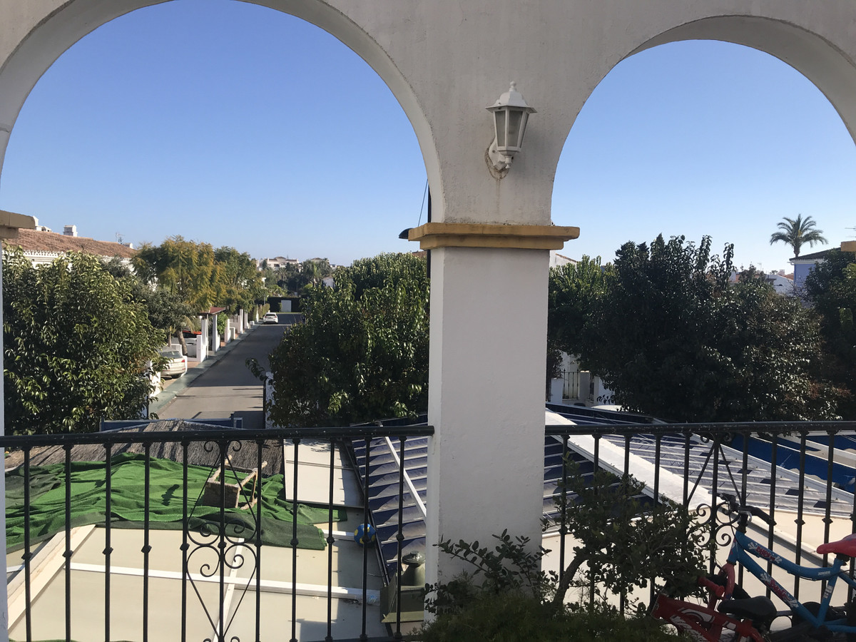 Townhouse - Terraced for sale in San Pedro de Alcántara