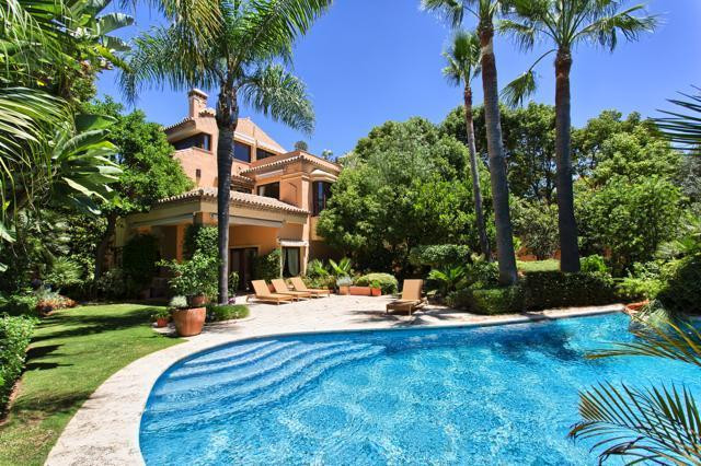 Villa - Detached for sale in The Golden Mile