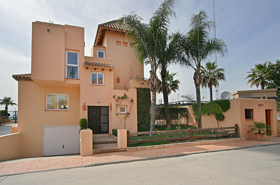 Townhouse for Sale in Puerto Banús / Andalucia