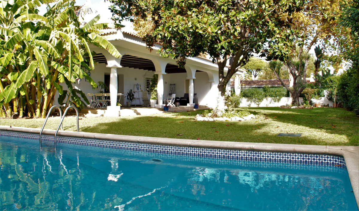 Villa - Detached for sale in Cortijo Blanco