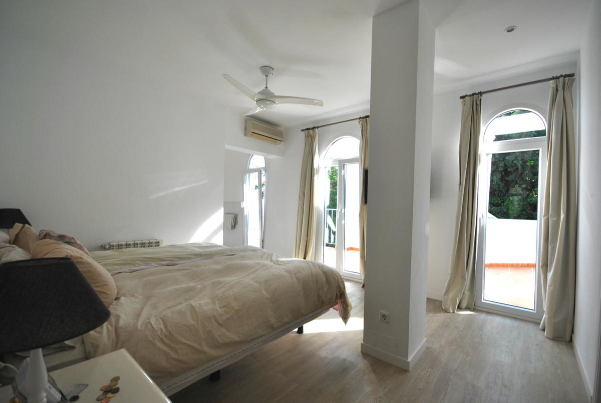 Villa - Detached for sale in Las Brisas