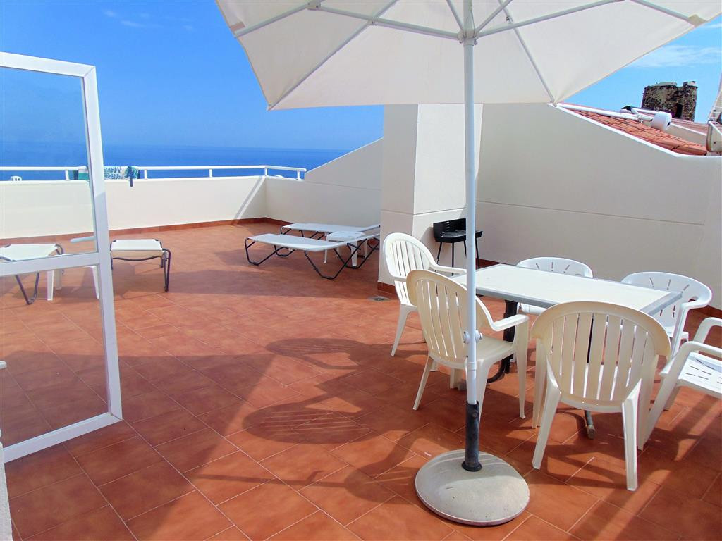 Beach side duplex penthouse with huge terraces offering panoramic sea views!   Great 2 bed and 2 bat, Spain