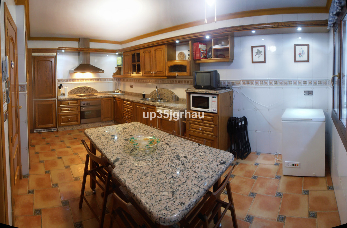 Townhouse for sale - Estepona