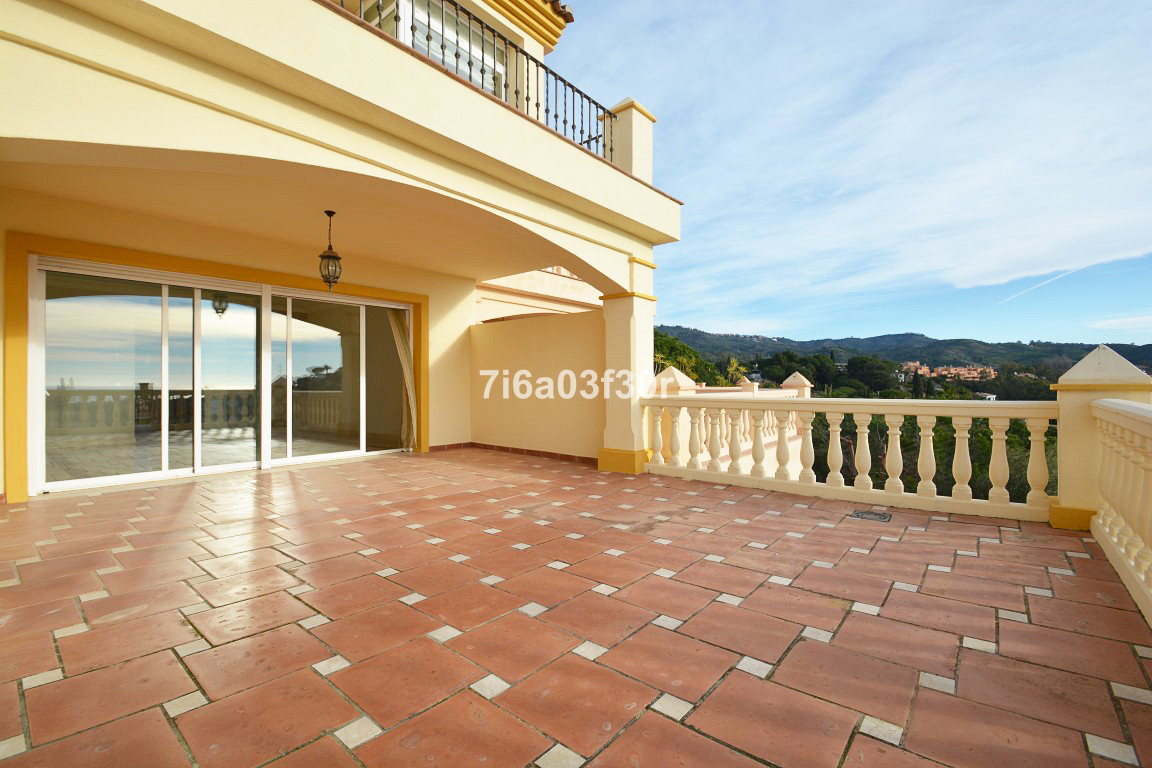 Townhouse for sale - Elviria