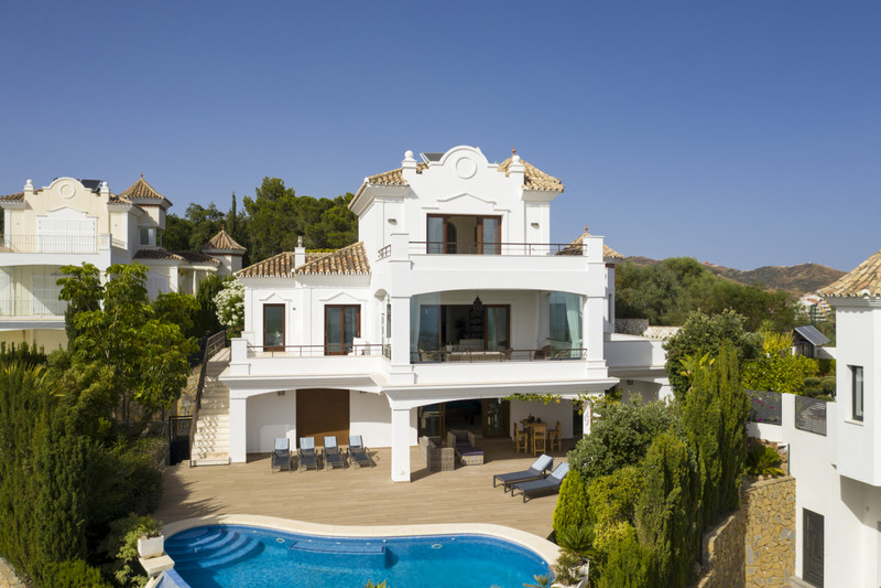 Villa – Chalet en venta en Elviria – R3619151