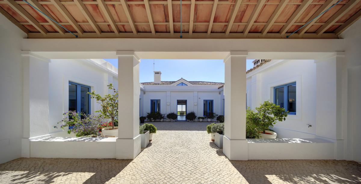 Villa – Chalet en Venta en Benahavís – R3611258