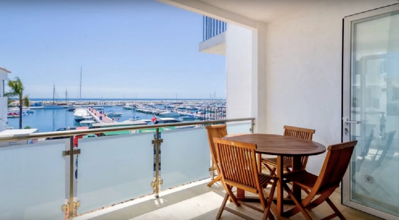 Middle Floor Apartment in Puerto Banús