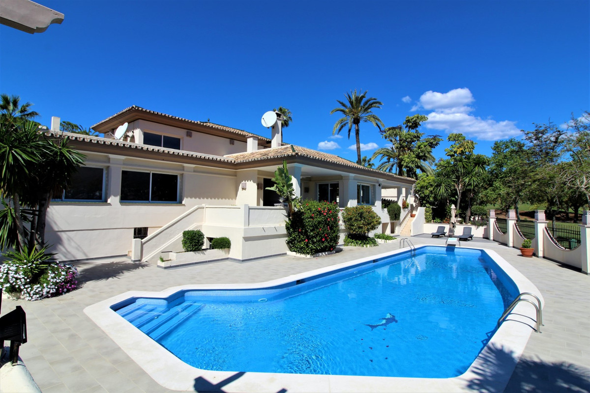 Front line golf Villa in, Nueva Andalucia, on one of the best areas, Las Brisas Golf course. The vil,Spain