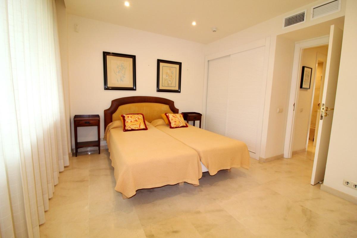 Appartement te koop in Estepona R3446668
