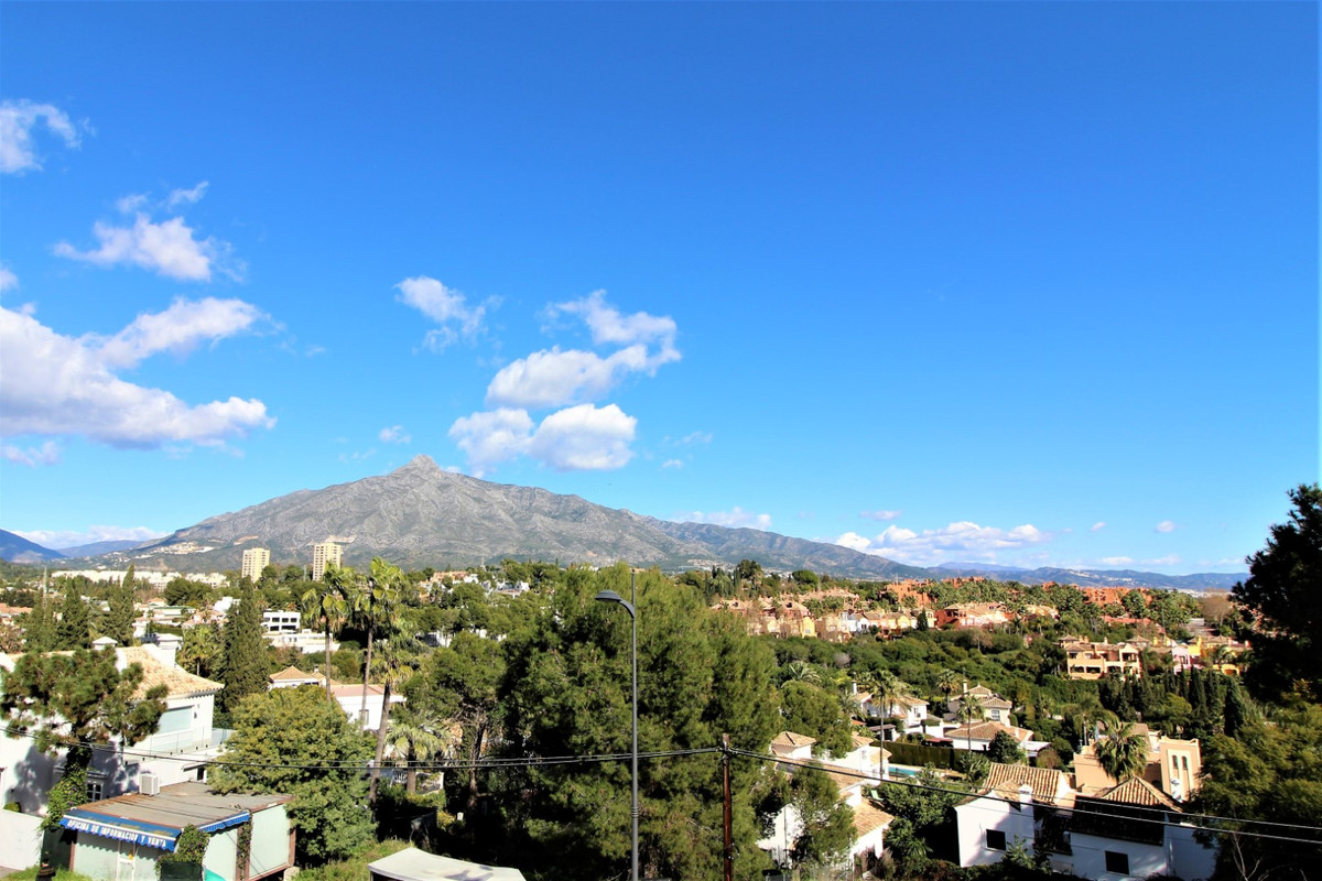 Cute , spacious and bright . This 1 bed apartment, with bathroom, kitchen, living room and terrace i,Spain