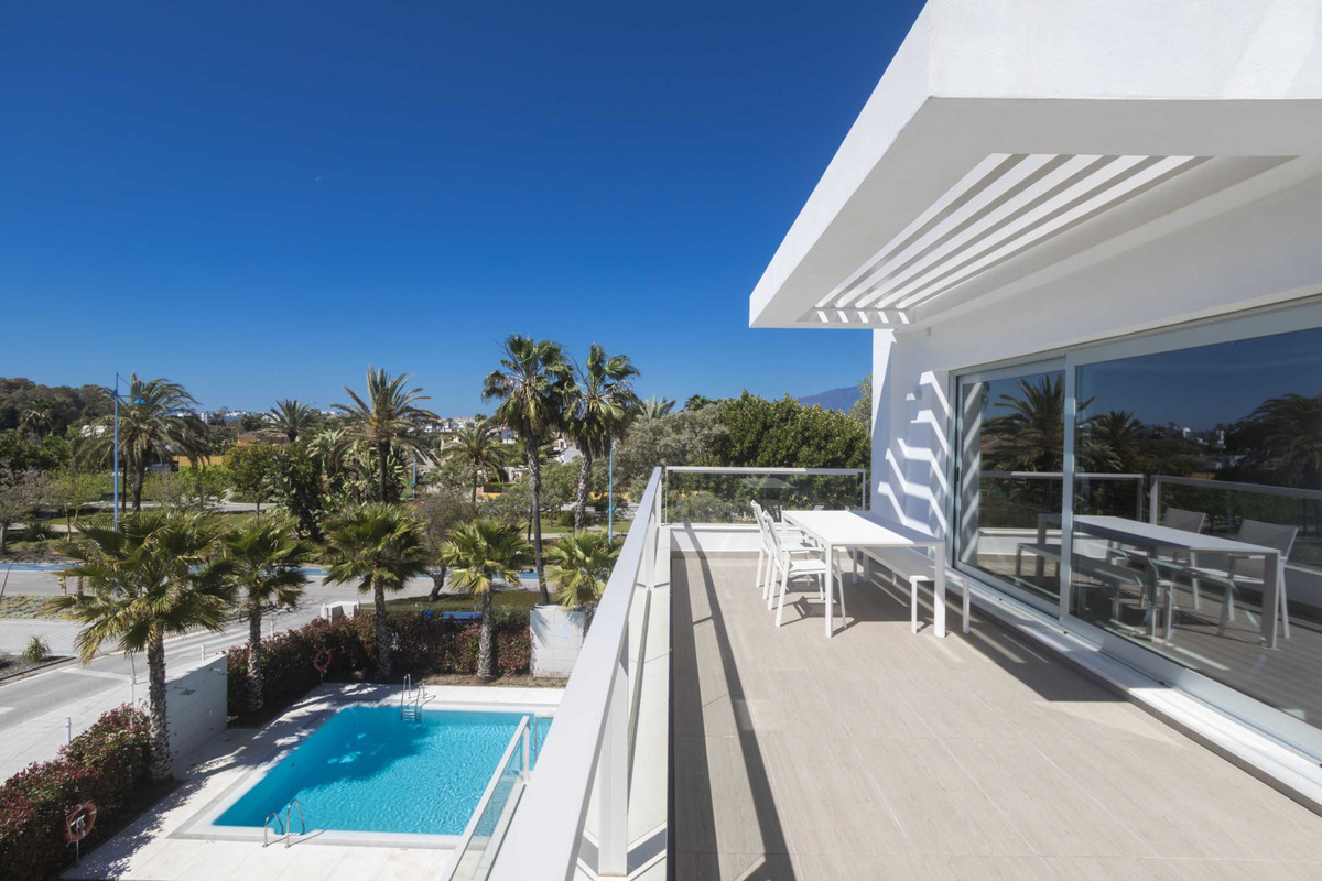 This south facing, luxurious penthouse is situated only 100 meters from San Pedro beach and its beac,Spain