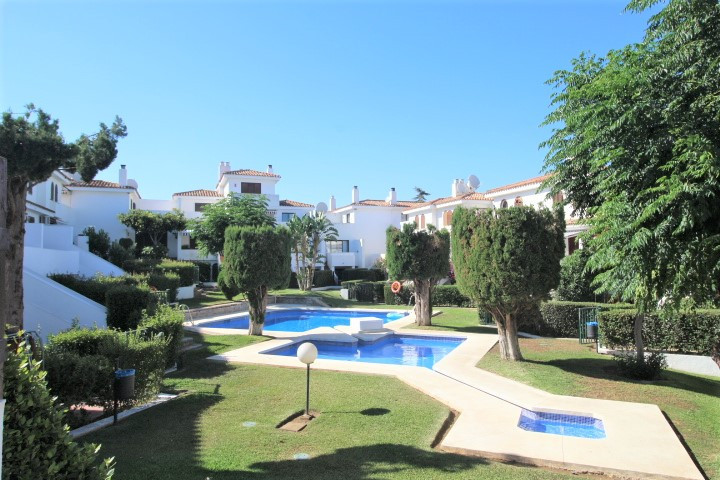 Ref:R3467140 Townhouse For Sale in Estepona