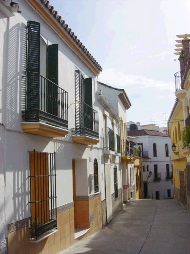 House in Estepona R18057 2