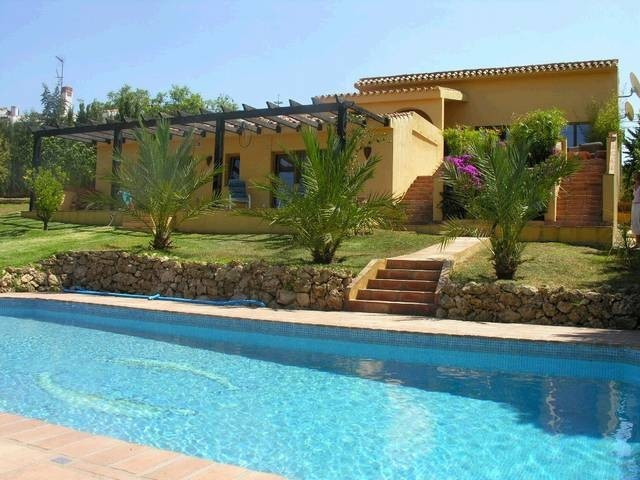 House in Estepona R18522 2