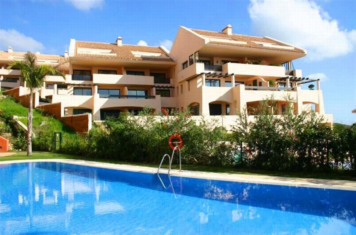 Beautiful first floor apartment with 2 bedrooms and 2 bathrooms, very bright and spacious, great pan, Spain