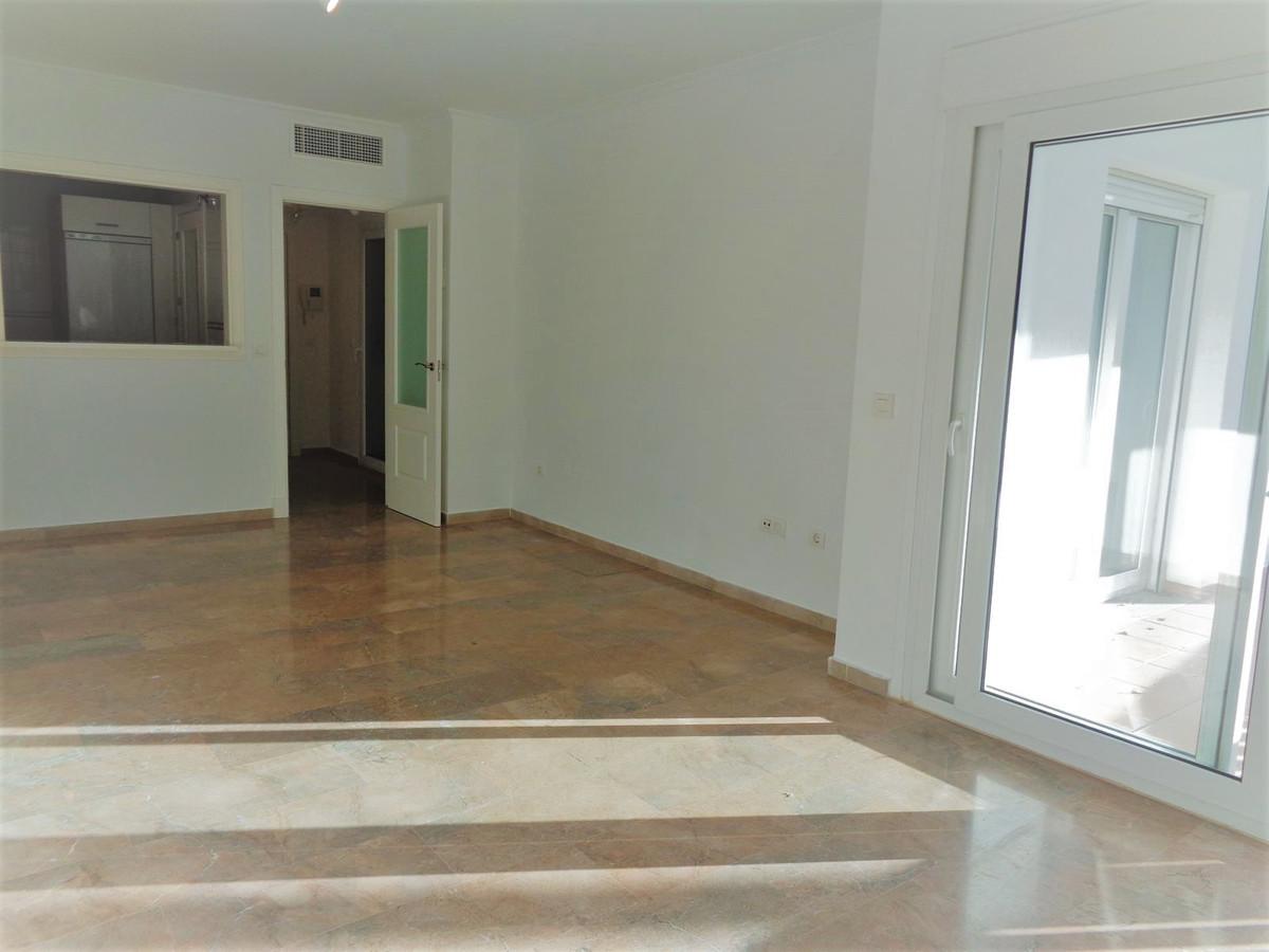 Apartamento Planta Baja en Venta en Calahonda – R3554971