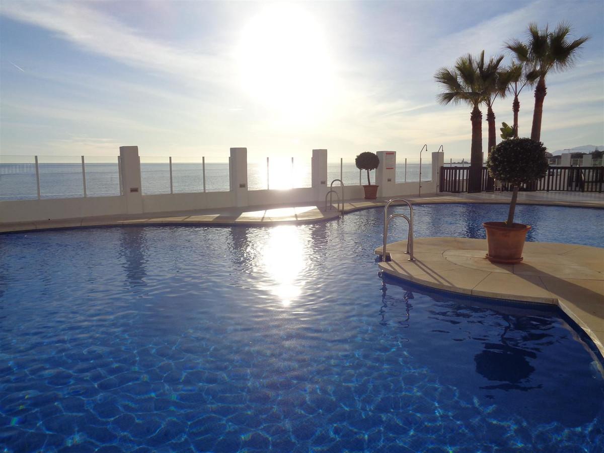 Marbella Banus Apartamento Planta Media en Venta en Calahonda – R3612404