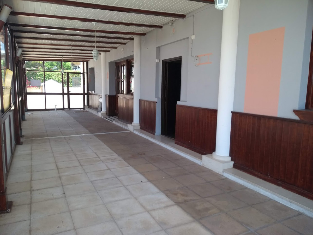 Commercial premises on ground floor in the Las Mimosas de Cabopino Shopping Centre, next to Camping , Spain