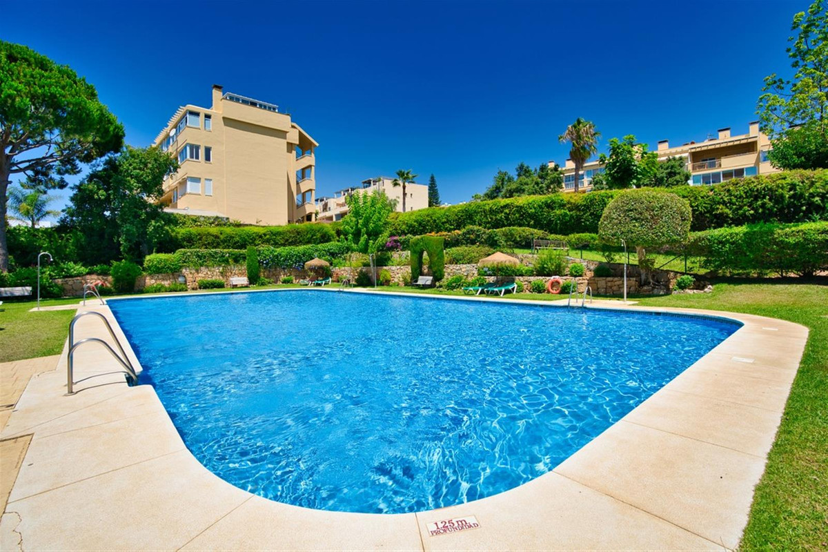 Nice and very well presented apartment in Calahonda Royal, 48m2 plus 21m2 terrace with barbecue, 1 b,Spain