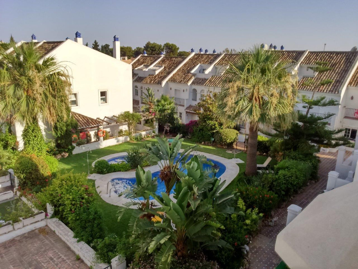Fabulous 3 bedroom 3 1/2 bathroom west facing townhouse in Puente Romano on the Golden mile..  Sold ,Spain