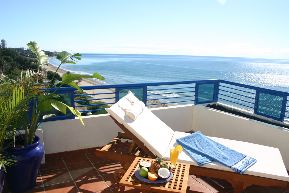 Fantastic beach front apartment with 4 bedrooms. 160 m2 + large terrace of 40 m2 with jacuzzi and ba,Spain