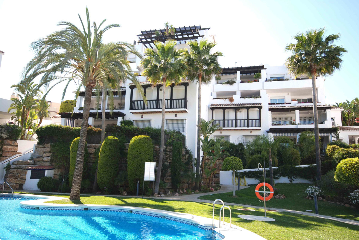 Marbella Banus Apartamento en Venta en Calahonda – R3699293