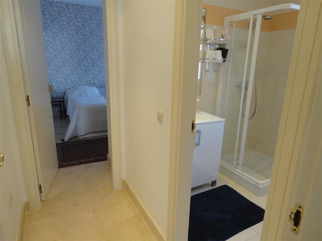 Apartamento en Venta en Calahonda – R3699293