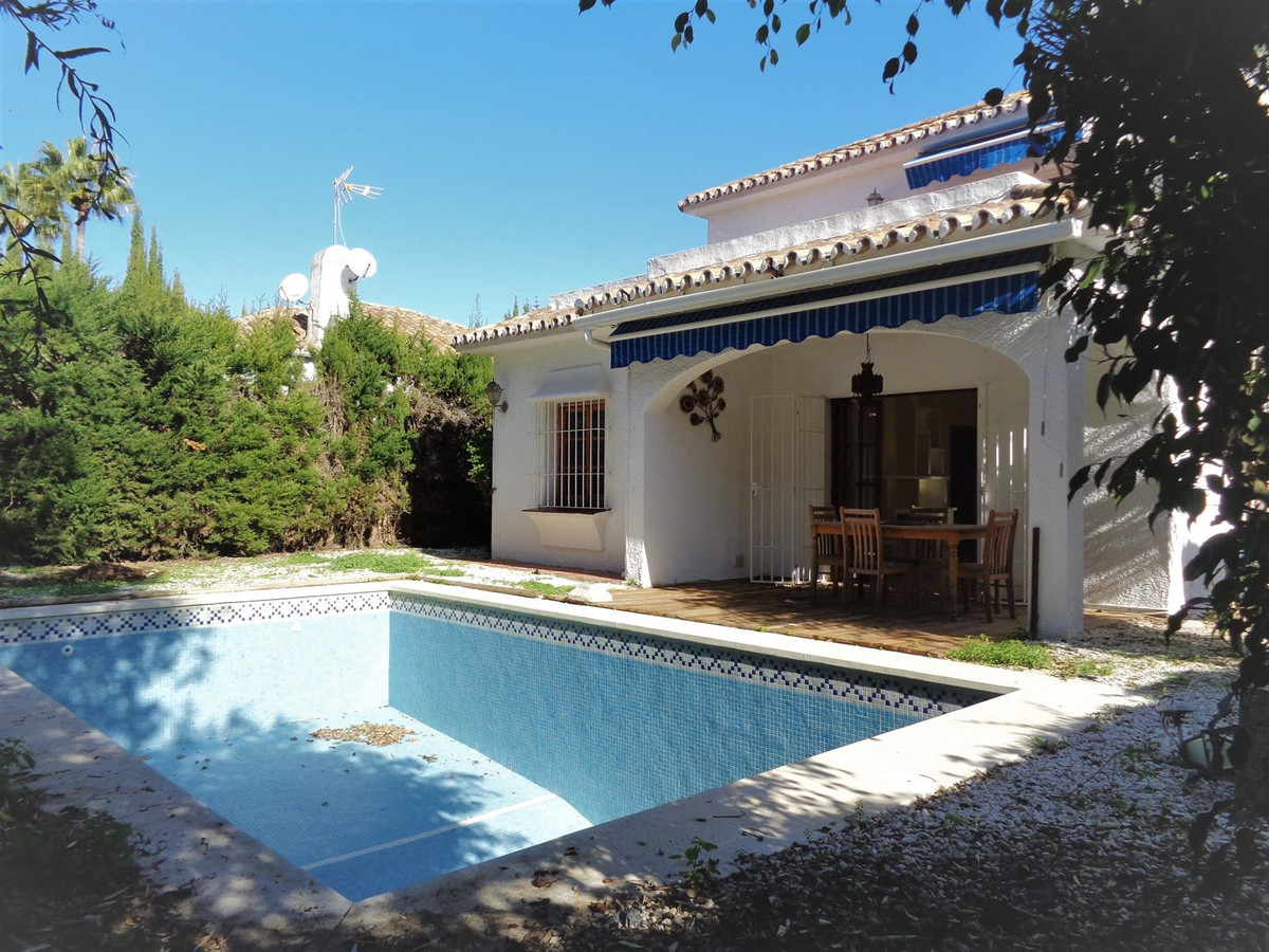 Villa in Calahoda very central situated close to all amenities and walking distance to the beach, it, Spain