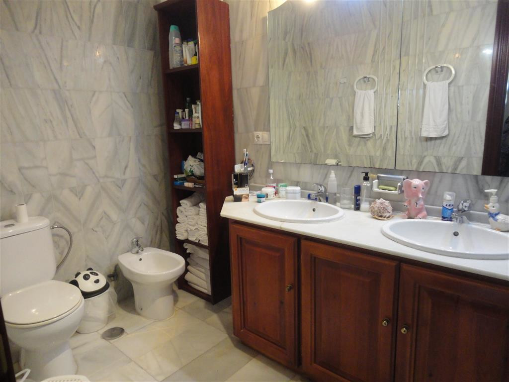 3 Dormitorio Unifamiliar en venta Calahonda