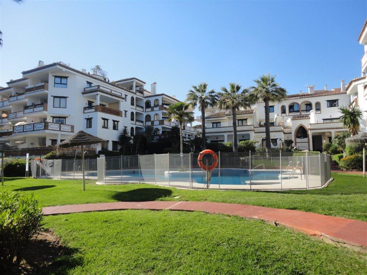 A 2 bedrooms, 2 bathrooms second floor apartment ideally located, sold fully furnished and equipped ,Spain