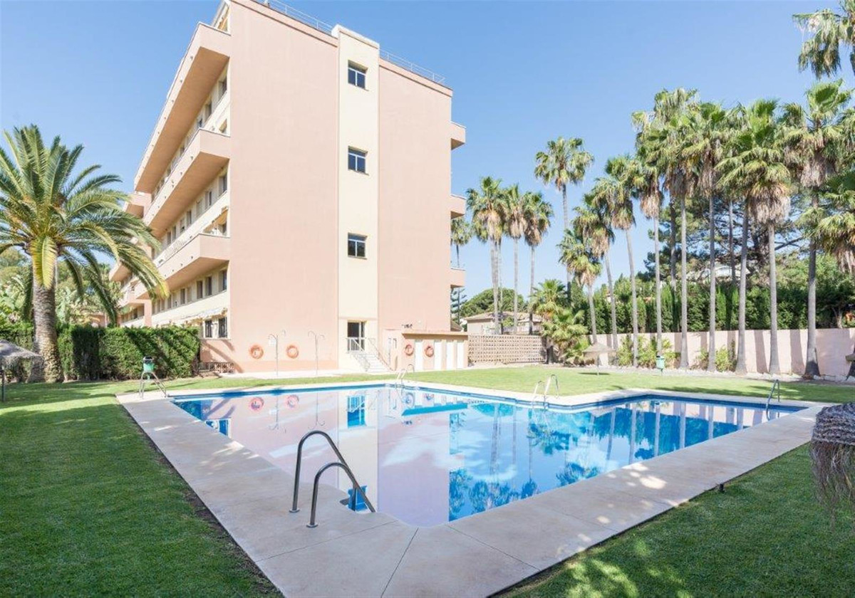 Middle Floor Apartment for sale in Carib Playa R3438475