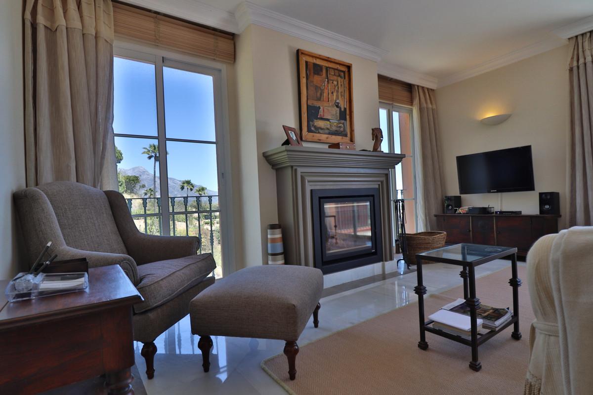 Marbella Banus Apartamento en Planta Última en Venta en Monte Halcones – R3402733