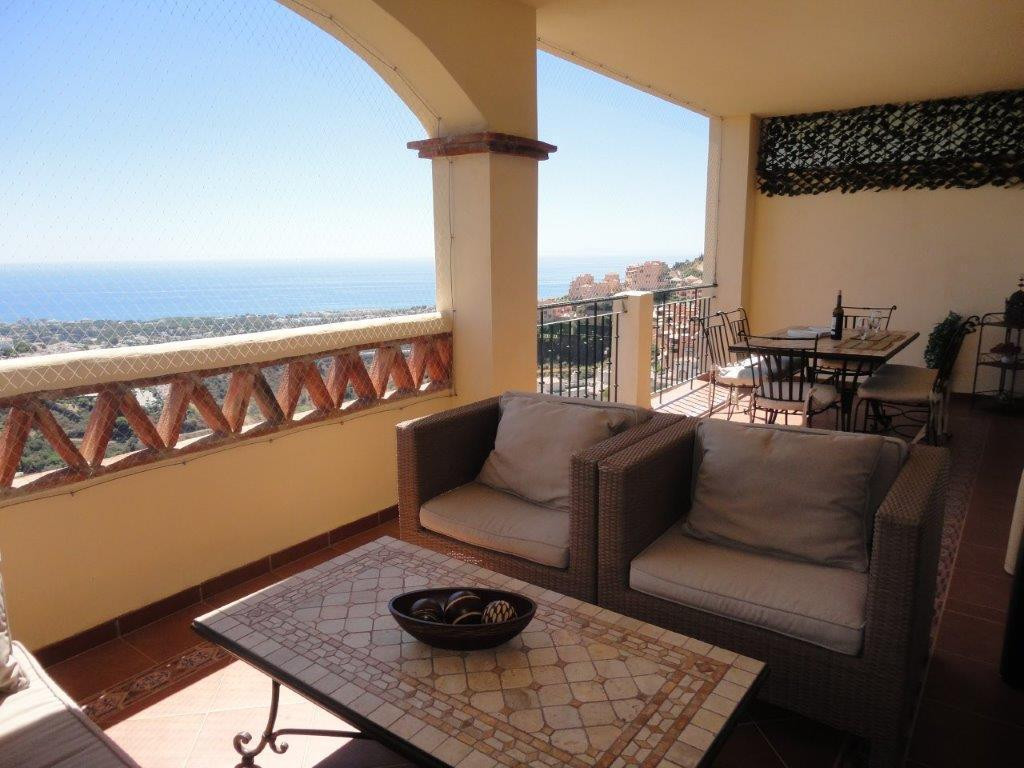 Apartment in immaculate condition on the top of Calahonda. It consists of 2 bedrooms, 2 bathrooms (o, Spain