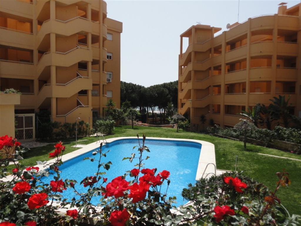 Apartamento en Venta en Calahonda – R3240979