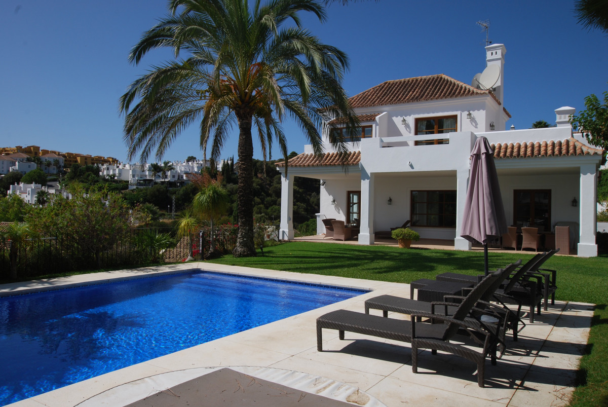 Ref:R3737101 Villa - Detached For Sale in Selwo