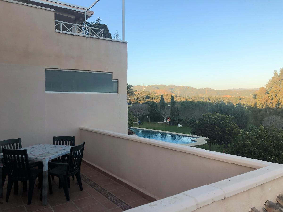 Marbella Banus Apartamento Planta Media en Venta en Marbella – R3388225