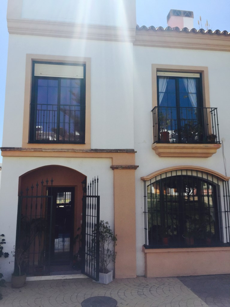 The perfect family home in the heart of Cancelada village.  This semi-datched townhouse in a popular,Spain