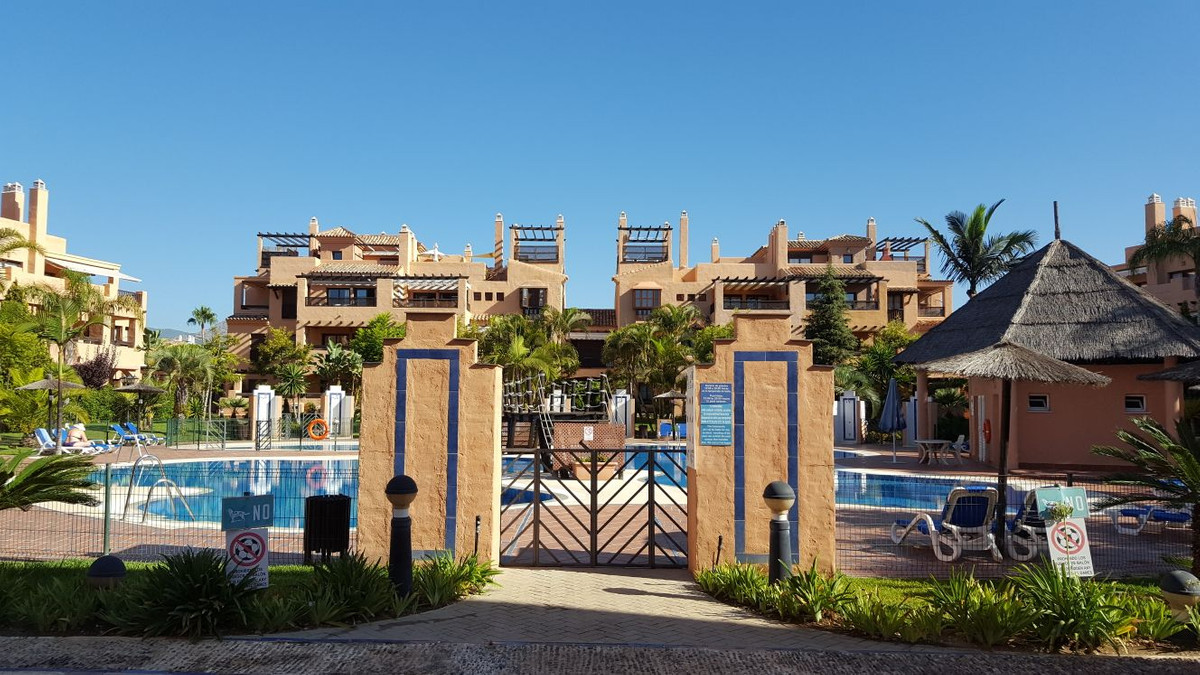 A lovely ground floor apartment in Phase 1 of the popular development of Hacienda del Sol.  With 3 s,Spain