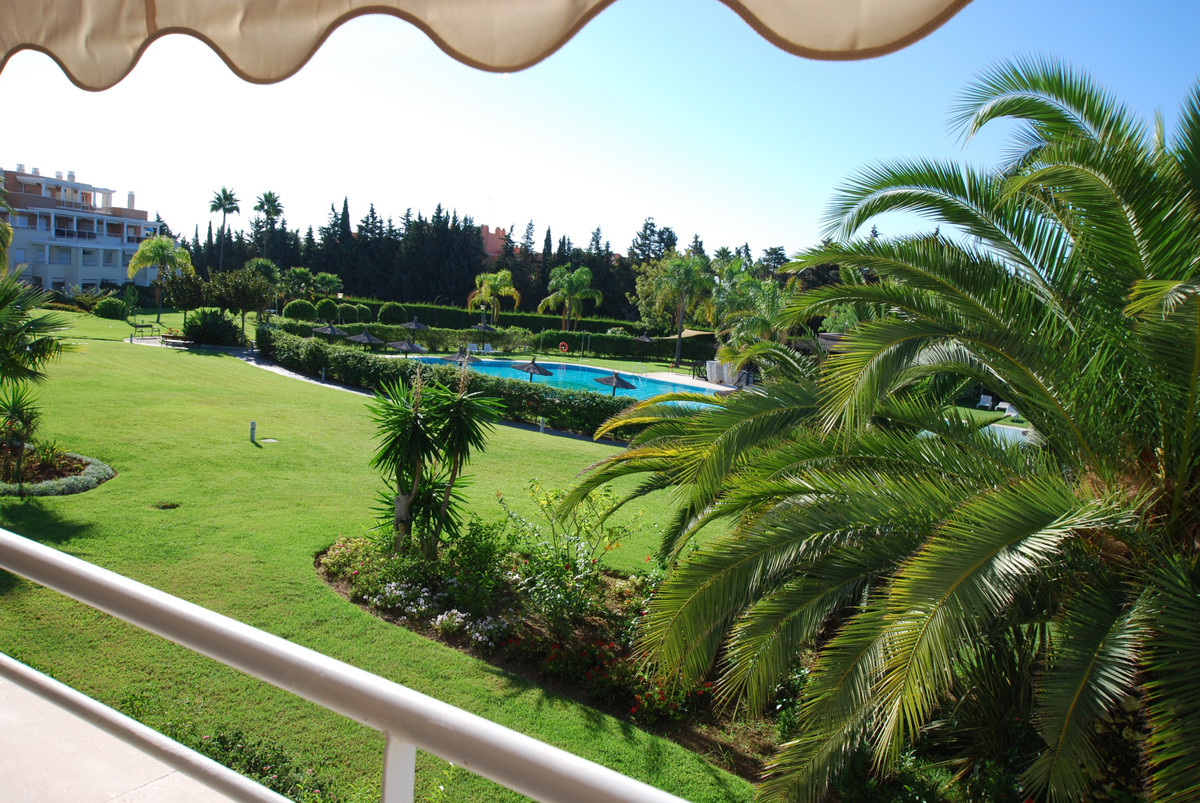 Ref:R3546652 Apartment - Middle Floor For Sale in New Golden Mile