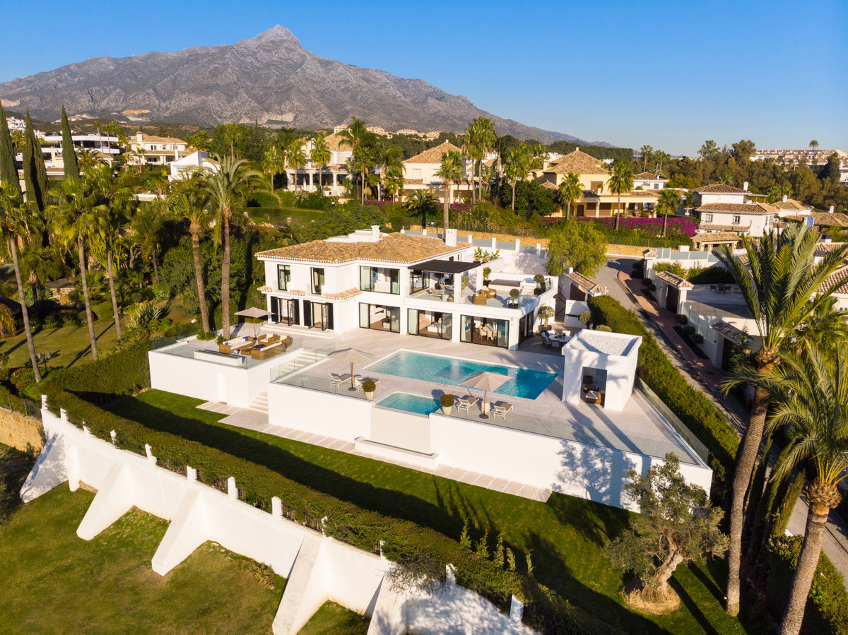 Ref:R3409816 Villa - Detached For Sale in Marbella